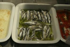 boquerones. pescado crudo. riesgo anisakis.